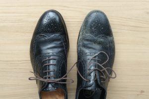 革靴に生えたカビを綺麗に落とす方法とカビの予防法