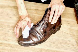 【動画付き】ブーツの手入れ方法を靴職人がわかりやすく解説します