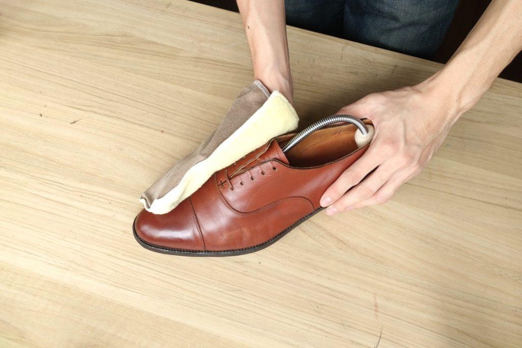 均 磨き 100 靴