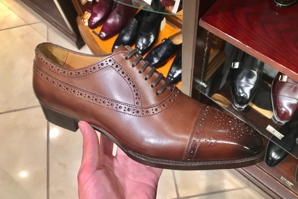 abb4534f7664 オリエンタル(Oriental)は、奈良に工場を構える日本の革靴メーカーです。
