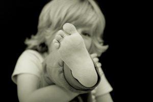 靴擦れの原因と対策。かかとやくるぶし、親指や小指など部位別に対策!