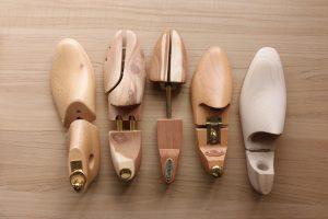 革靴には欠かせないシューキーパーの選び方とおすすめ紹介